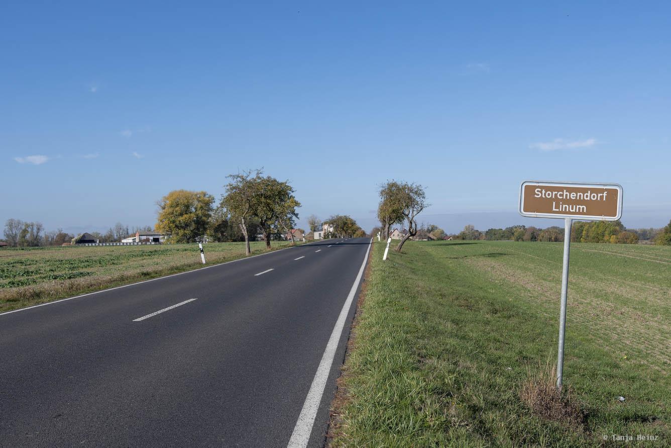 Straße nach Linum