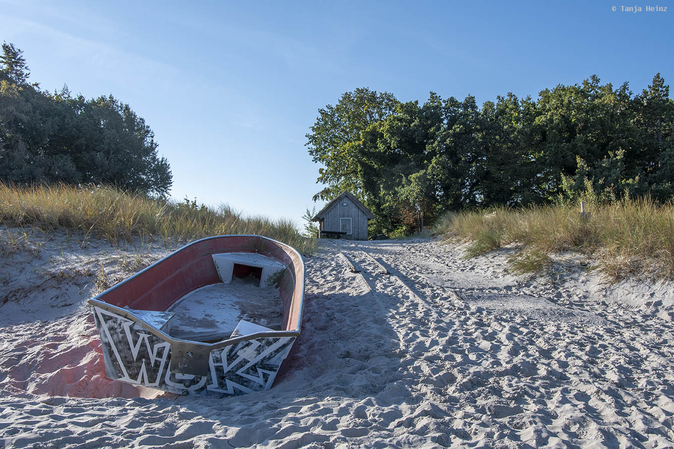 Boot am Strand in Zingst